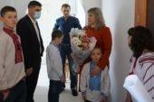 Свято у новій оселі: багатодітній родині з Березовиці на Тернопільщини купили будинок