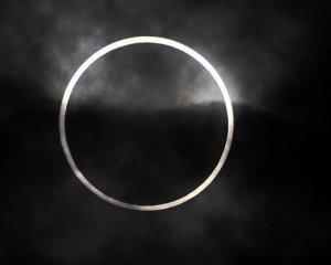 Завтра – сонячне затемнення: можна побачити «вогняне кільце» і запрограмувати себе на позитив