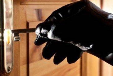 На Тернопільщині жінка залишила ключі під килимком, а гроші – в шафі. Крадій усе знайшов