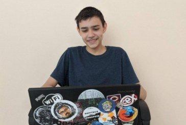 Винахідника з Тернопільщини відзначили на міжнародному конкурсі: хлопець створив унікальну програму для людей з вадами слуху
