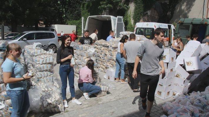 Тернопільські священники зібрали 35 тонн гуманітарної допомоги постраждалим від негоди