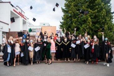 Випускники-міжнародники ТНЕУ отримали дипломи «бакалавра» (ФОТО)