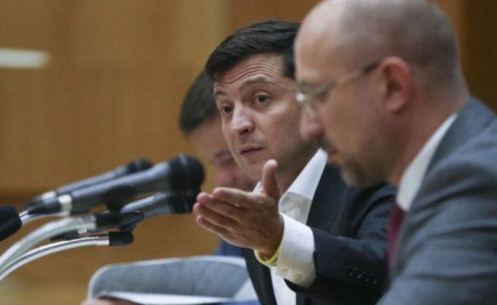 Влада хоче українцям підвищити мінімалку, тільки не сказала, де взяти гроші