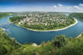 Жителів Тернопільщини запрошують поділитись улюбленими місцями для подорожей Україною