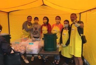 У Тернополі організували благодійну їдальню просто неба (фото)