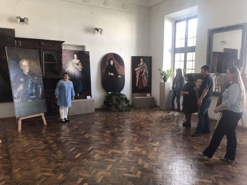 Мандруємо замками Тернопілля: князі Вишневецькі повертаються у родовий палац