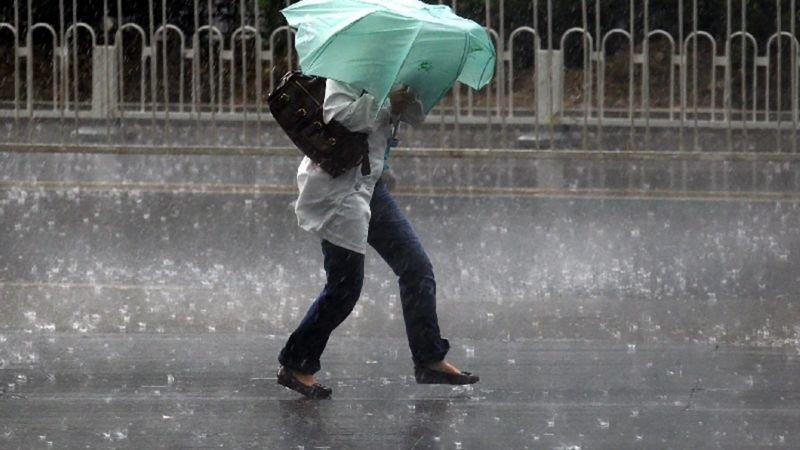 В Україну сунуть дощі, похолодання та штормові вітри