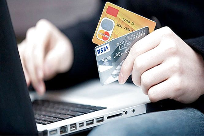 Аферист «провів заміну» банківської картки: жителька Тернопільщини втратила чималу суму