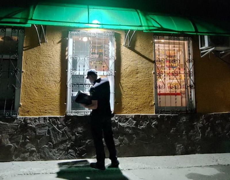 У Тернополі, попри заборону, вночі продають алкоголь (ФОТО)