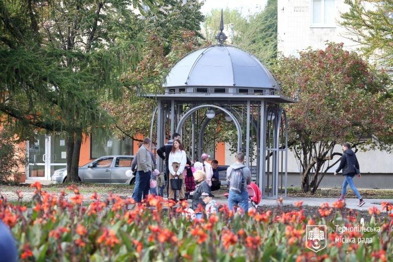 Новий бювет з питною водою відкрили у Тернополі на бульварі Данила Галицького