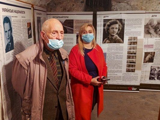 Виставку про українців, які пройшли нацистські табори, відкрили у Тернополі