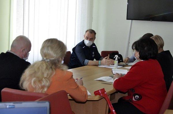 Тернопільщину відвідали представники Державного бюро ВООЗ: обговорювали ситуацію з COVID-19