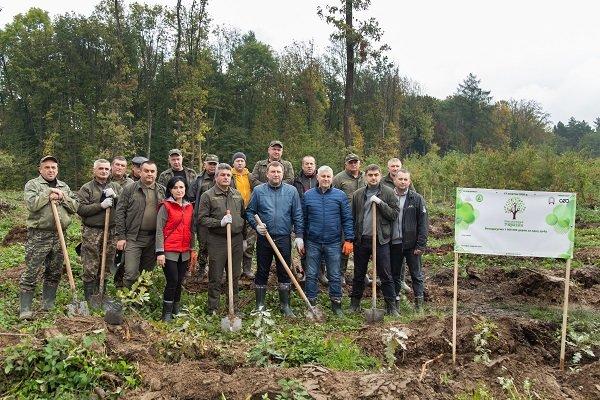 Тернопільщина долучилася до акції «Мільйон дерев за 1 день» (ФОТО)