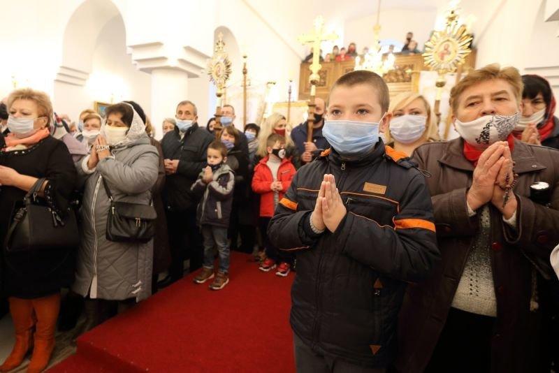 У Тернополі освятили новий храм Покладення Ризи Пресвятої Богородиці УГКЦ (ФОТО)