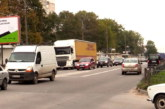 До уваги водіїв: у Тернополі, на вул. 15 Квітня, облаштували додаткові лівоповоротні смуги руху