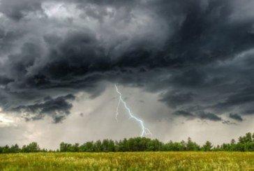 Сьогодні Україну накриють зливи, місцями грози