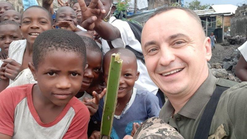 Іграшки – з картону, цукерки – розкіш: миротворець з Тернопільщини про дитинство в африканській країні (ФОТО)