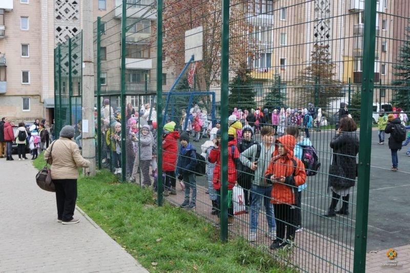 Рятувальники розповіли деталі пожежі в школі Тернополя: евакуювали 408 дітей і 69 працівників (ФОТО)