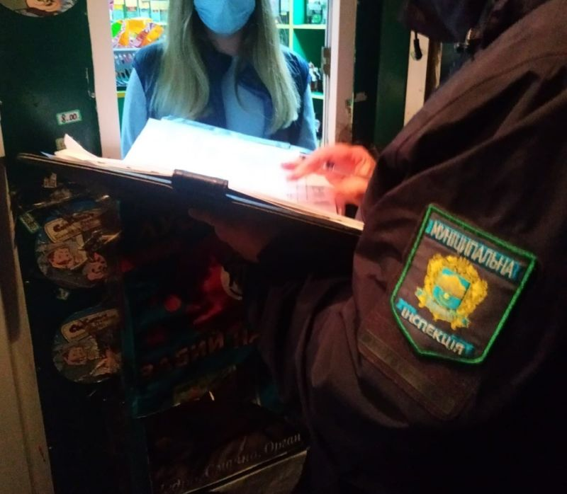 У Тернополі й далі вночі торгують алкоголем