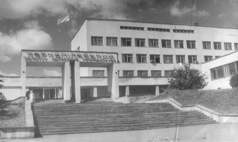 Понад 30 років тому в ЗУНУ створено осередок Товариства української мови