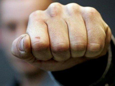 У Тернополі, біля бару «Бункермуз», 17-річного хлопця побили невідомі