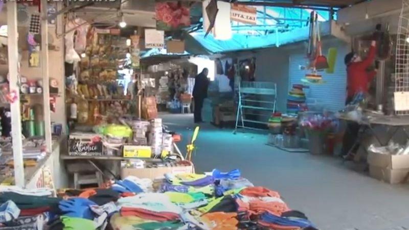«Розбірки» на тернопільському ринку: жінка вхопила продавщицю за шию і штовхнула обличчям на асфальт