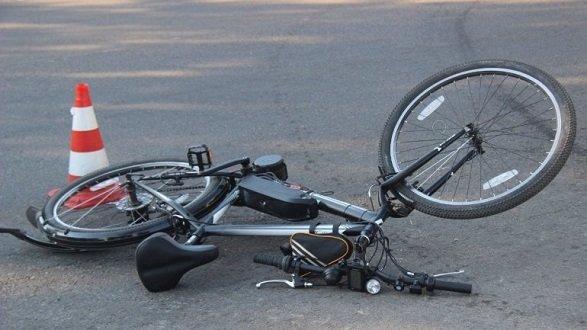На Чортківщині через п'яного велосипедиста потрапили в ДТП дві автівки