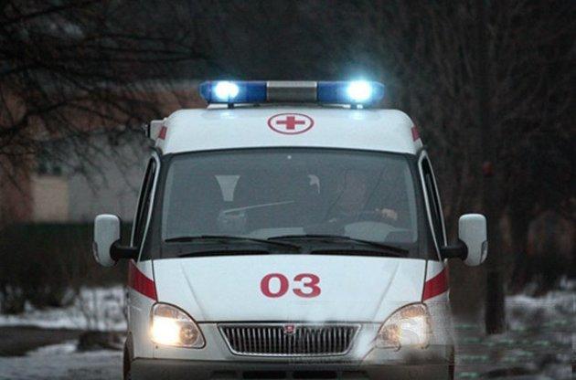 20-річний житель Тернопільщини упав з дерева, обрізаючи гілки: травмував хребет