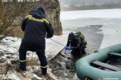 Житель Бережанщини провалився під лід на ставку: його знайшли мертвим