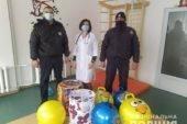 Поліцейські Шумщини долучилися до благодійного марафону й придбали подарунки для маленьких пацієнтів райлікарні
