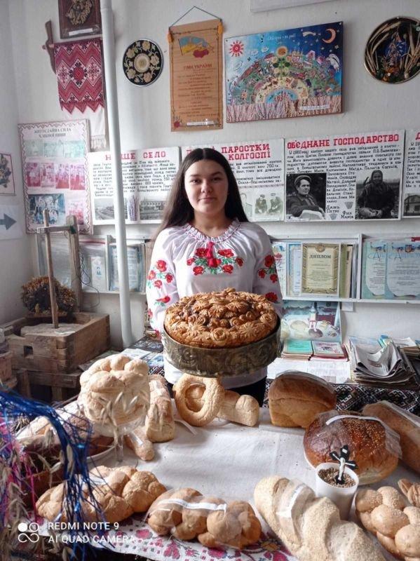 Школярі з Гуштина здобули дві перемоги на всеукраїнському фестивалі «Українська паляниця»