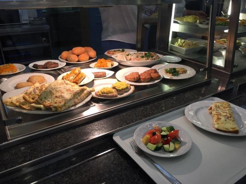 Депутатське меню: скільки коштує обід у їдальні Верховної Ради