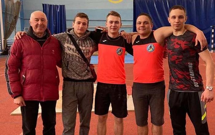 Тернопільські легкоатлети завершили у Львові зимовий сезон змагань 12-ма медалями