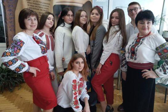Перевтілювалися у Мавку та Лукаша і читали вірші, які до душі:у Тернопільському технічному коледжі оригінально вшанували 150-річчя з дня народження Лесі Українки (фото)