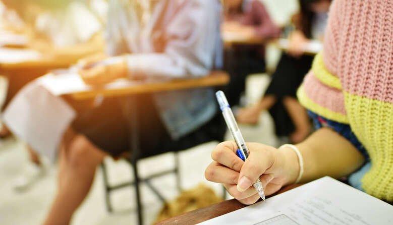 На Тернопільщині учні 11-х класів звільняються від проходження ДПА: Верховна Рада ухвалила закон