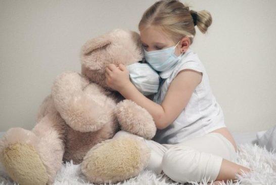 В Україні виявили 7562 нових випадки COVID-19, шпиталізували 2195 людей