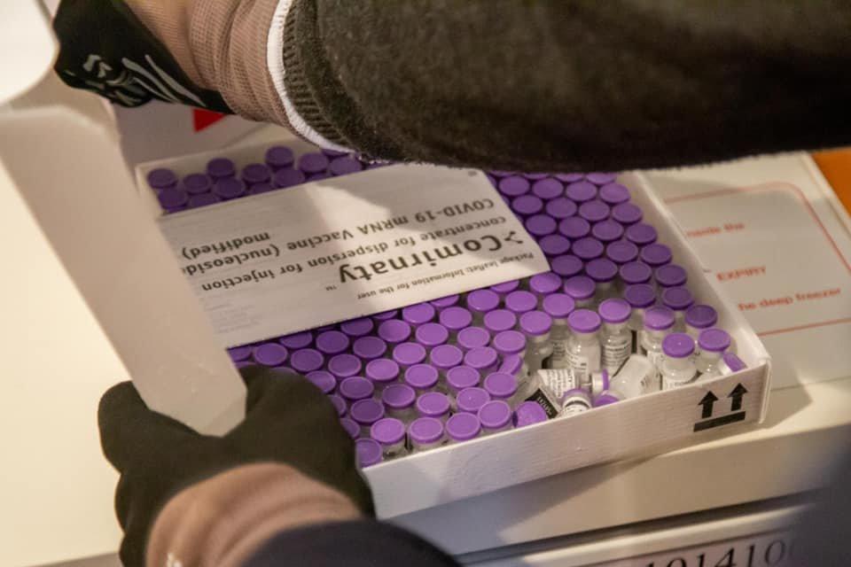 Тернопільщина отримала першу партію вакцини Pfizer