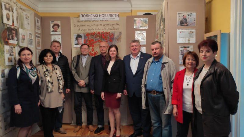 У літературно-меморіальному музеї Юліуша Словацького в Кременці презентували виставку «Польські нобелісти» з колекції філателіста Юрія Ковалькова