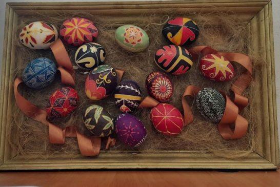Писанки на страусиних яйцях, ляльки-мотанки та барвисті витинанки: у тернопільському музеї вже 30 років організовують справжеє Великоднє свято (ФОТО)