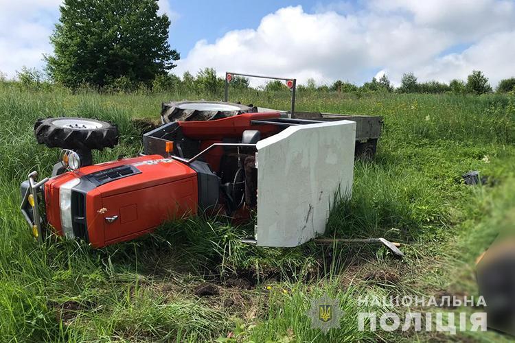 У полі на Тернопільщині загинув тракторист