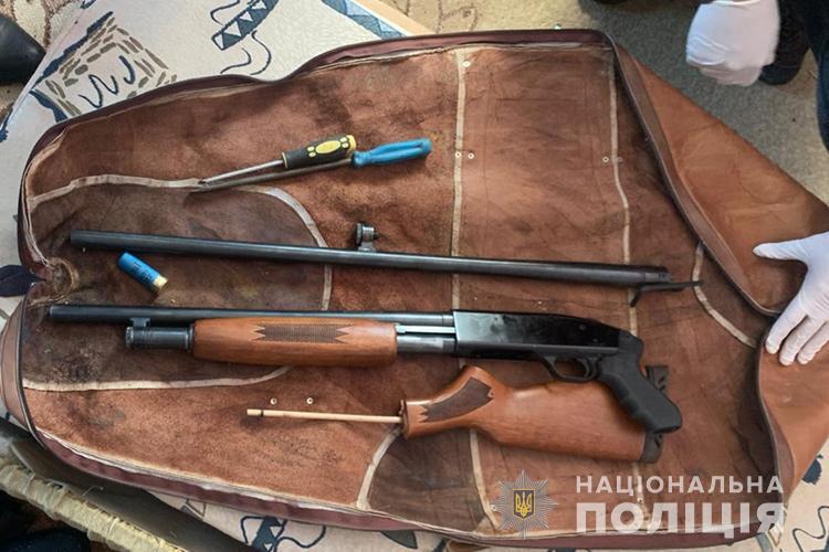На Тернопільщині колишній зек кілька ночей обстрілював будинок місцевого жителя