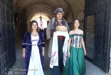 Історичні фортеці, природні дива та унікальні крафтові продукти презентували гостям з усієї країни у Збаражі на Тернопільщині ( ФОТО)