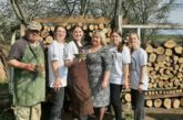 На Тернопільщині школярі дослідили розвиток ремесел у селі Товсте на Гусятинщині і навчалися працювати з глиною у місцевого майстра (фото)