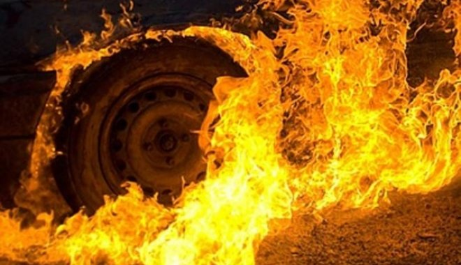 На Тернопільщині згоріло BMW