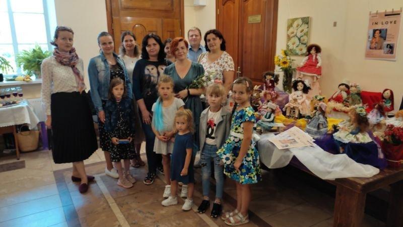 Кременецька лялькарка презентувала свої казкові вироби (фото)