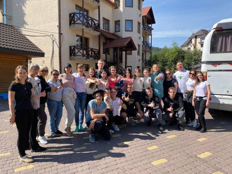 Студентів ЗУНУ посвячували в першокурсники у Карпатах
