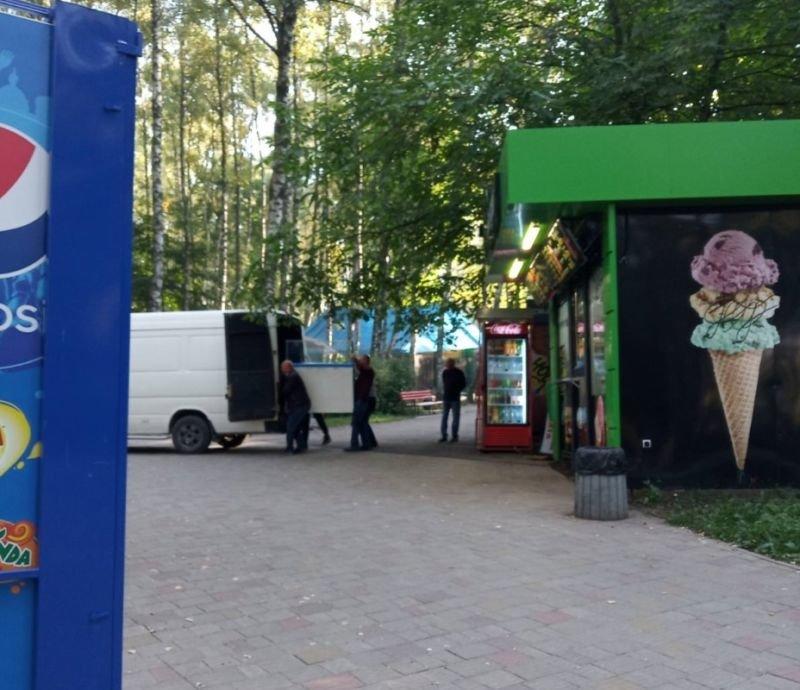 У Тернополі в парку Національного відродження демонтували кіоск