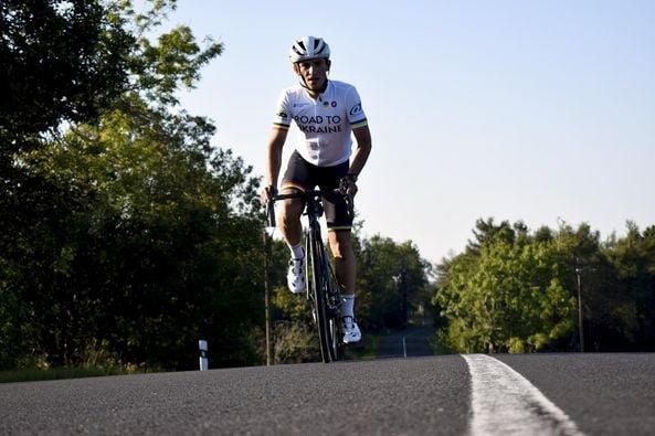 До Тернополя прибуде бельгійський студент, який проїхав на велосипеді всю Європу заради допомоги сім'ям на Сході України